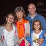 Lorena Flores y Javier Sued e Hijos