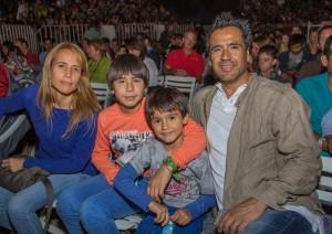 Verónica González, Renato Munster, Kail Munster y Renato Munster.